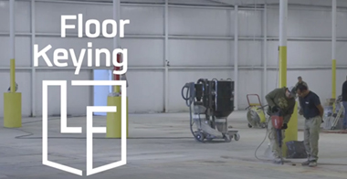 Keying transitions for epoxy floors